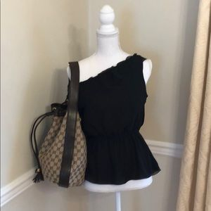 Gently worn authentic Women's Gucci hobo bag.